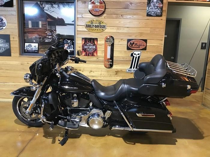 2015 Harley-Davidson FLHTKL - Ultra Limited Low Photo 6 sur 7