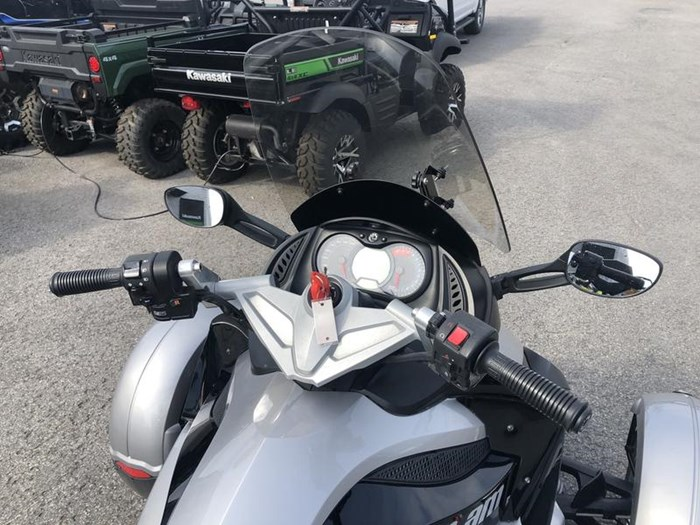 2009 Can-Am Spyder GS-SE5 Photo 8 of 8