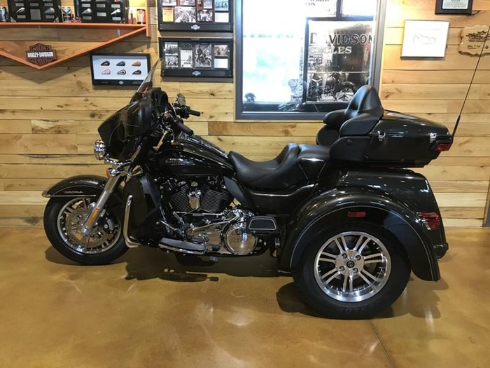 2020 Harley-Davidson FLHTCUTG - Tri Glide® Ultra Photo 9 of 13