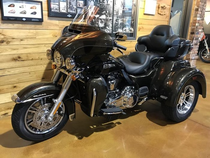 2020 Harley-Davidson FLHTCUTG - Tri Glide® Ultra Photo 12 of 13