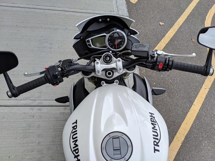 2016 Triumph Street Triple ABS Photo 5 of 12