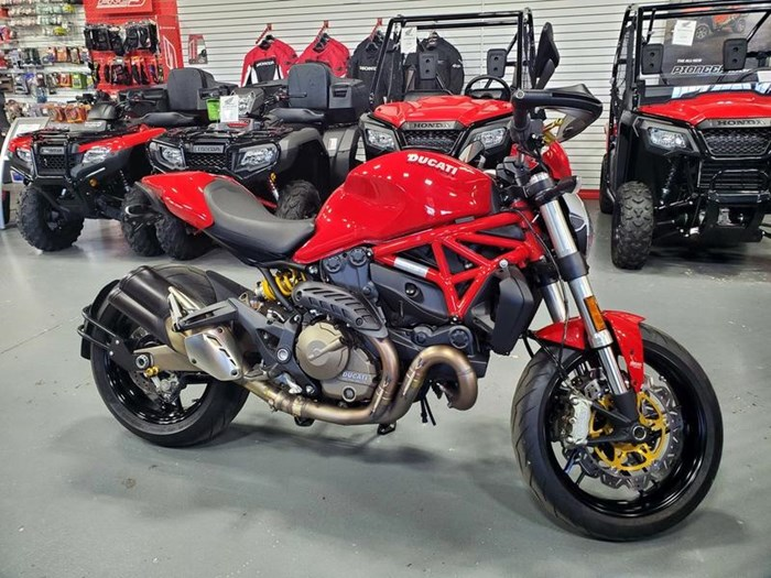 2015 Ducati Monster 821 Red Photo 1 of 10