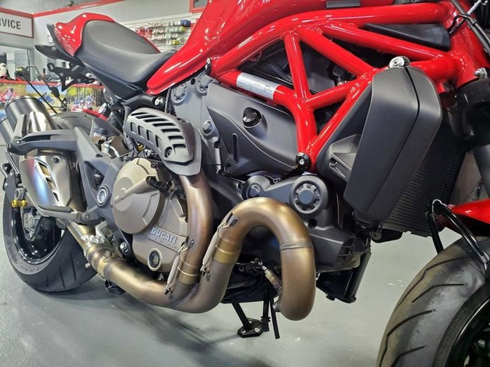 2015 Ducati Monster 821 Red Photo 2 of 10