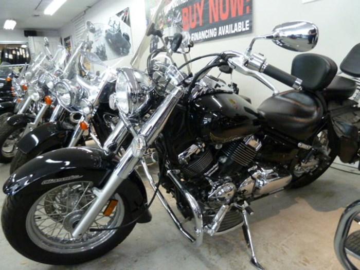 2015 Yamaha V-Star® 650 Classic Photo 2 of 7