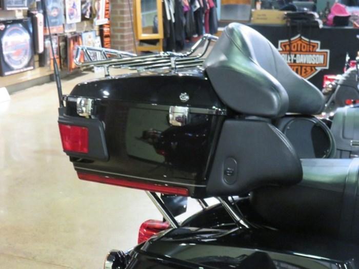 2012 Harley-Davidson FLHTK - Electra Glide® Ultra Limited Photo 7 of 11