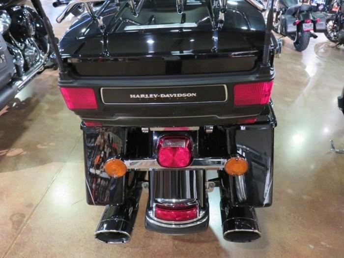 2012 Harley-Davidson FLHTK - Electra Glide® Ultra Limited Photo 10 of 11