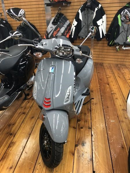 2020 Vespa Sprint 50 iGet Sport ABS Photo 2 of 3