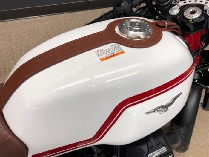 2020 Moto Guzzi V7 III Racer LE Photo 2 sur 3