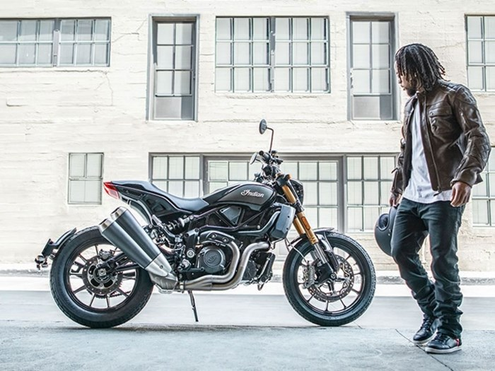 2019 Indian Motorcycle® FTR™ 1200 S Titanium Metallic over Thund Photo 3 sur 4