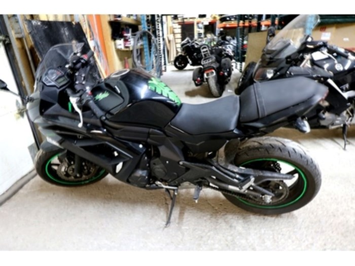 2015 Kawasaki Ninja® 650 ABS Photo 2 sur 8