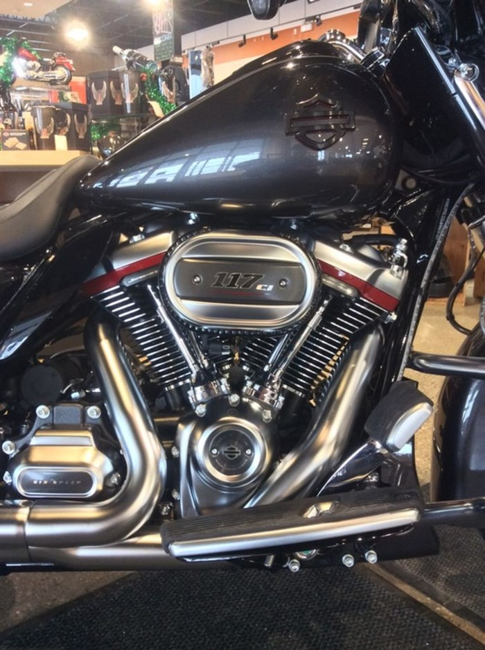 2020 Harley-Davidson FLHXSE - CVO™ Street Glide® Photo 2 sur 11