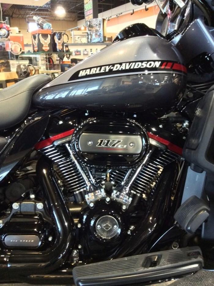 2020 Harley-Davidson FLHTKSE - CVO™ Limited Photo 2 of 12