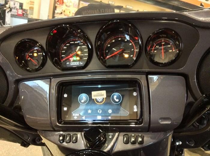 2020 Harley-Davidson FLHTKSE - CVO™ Limited Photo 5 of 12