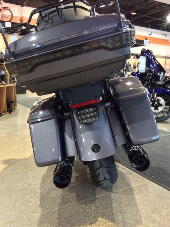 2020 Harley-Davidson FLHTKSE - CVO™ Limited Photo 8 of 12