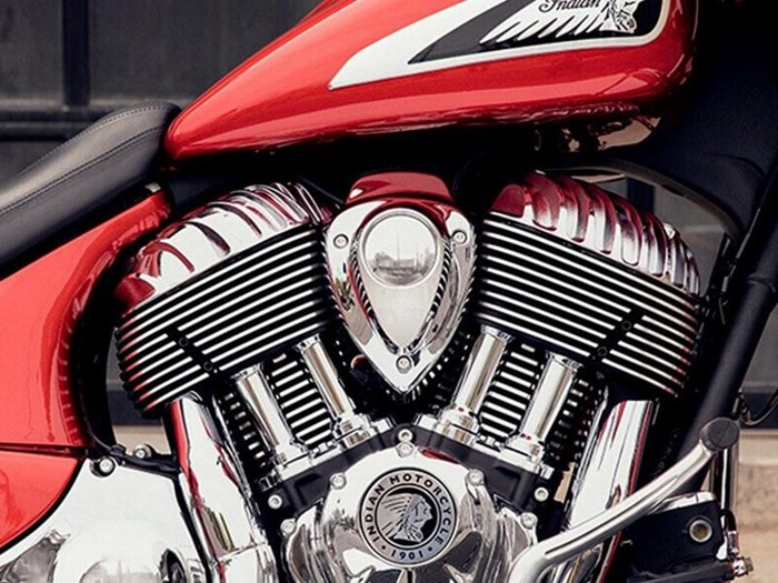 2019 Indian Motorcycle® Chieftain® Limited Ruby Metallic Photo 3 of 8