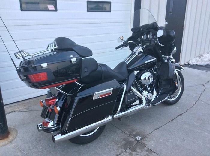 2011 Harley-Davidson FLHTK - Electra Glide® Ultra Limited Photo 3 sur 10