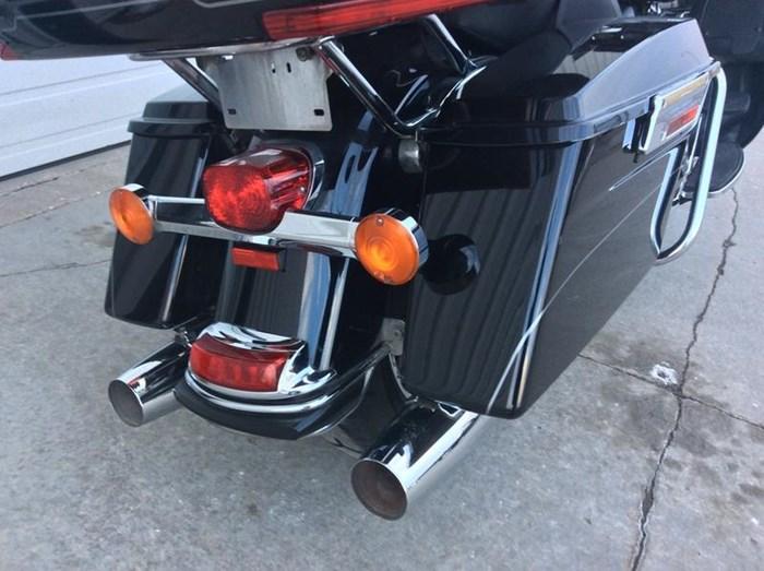 2011 Harley-Davidson FLHTK - Electra Glide® Ultra Limited Photo 4 sur 10