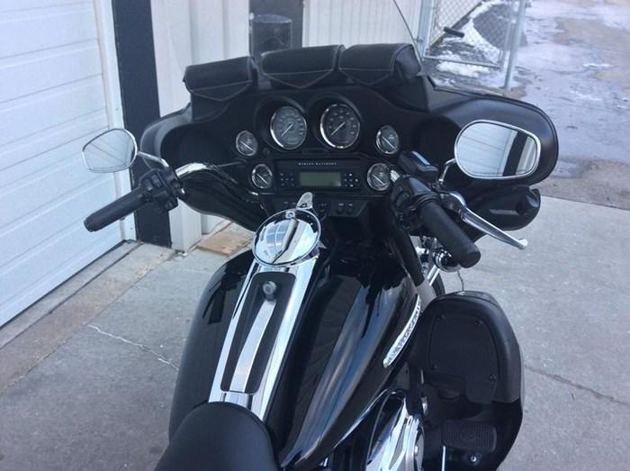2011 Harley-Davidson FLHTK - Electra Glide® Ultra Limited Photo 5 sur 10