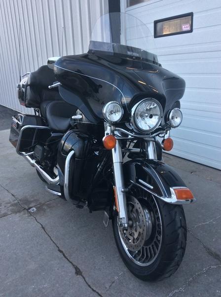 2011 Harley-Davidson FLHTK - Electra Glide® Ultra Limited Photo 7 sur 10