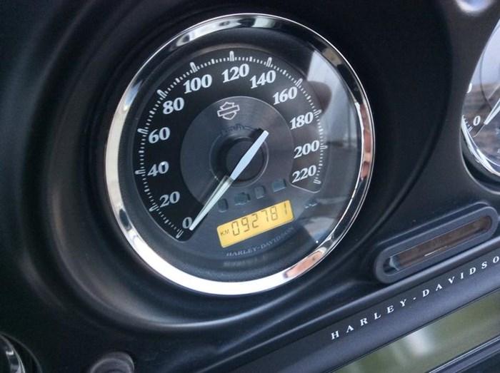 2011 Harley-Davidson FLHTK - Electra Glide® Ultra Limited Photo 9 sur 10