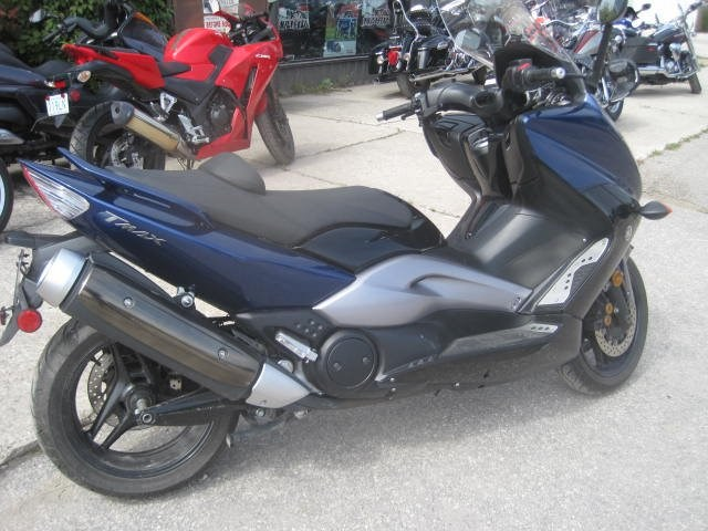 2009 Yamaha T-Max 500 Photo 3 of 6