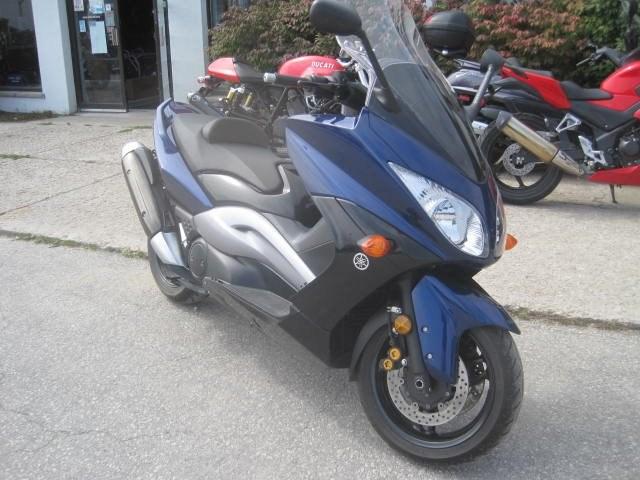 2009 Yamaha T-Max 500 Photo 4 of 6