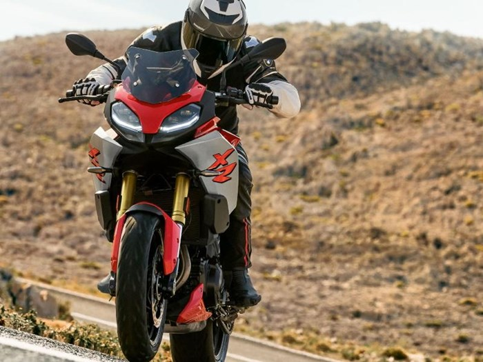 2020 BMW F 900 XR Racing Red Photo 7 of 12
