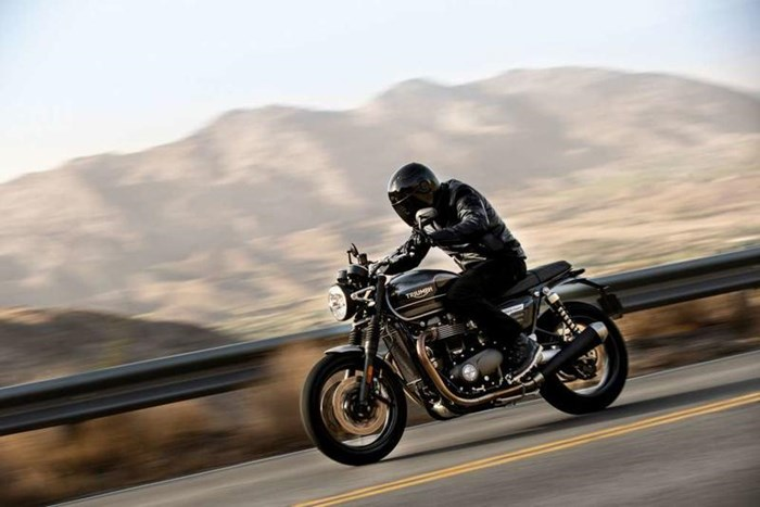 2020 Triumph Speed Twin 1200 Photo 2 of 3