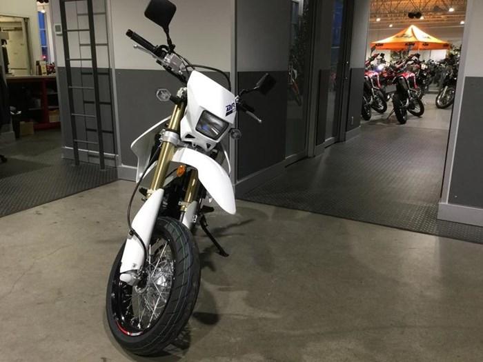2020 Suzuki DR-Z400SM Photo 2 of 6