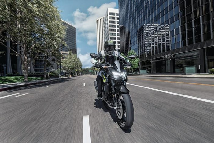 2020 Kawasaki Z400 ABS - GRIS/ NOIR Photo 5 of 6