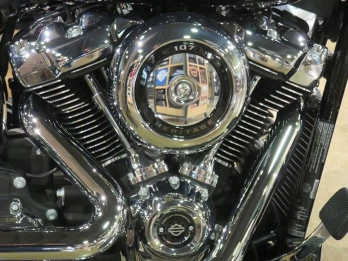 2020 Harley-Davidson FLHC - Softail® Heritage Classic Photo 2 sur 9