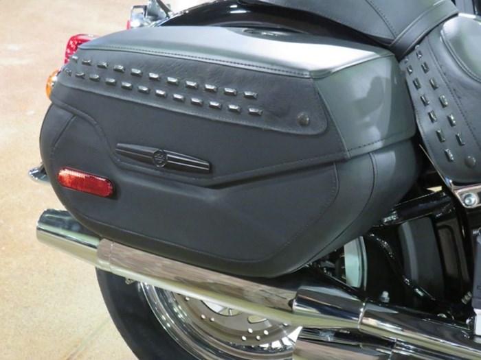 2020 Harley-Davidson FLHC - Softail® Heritage Classic Photo 3 sur 9