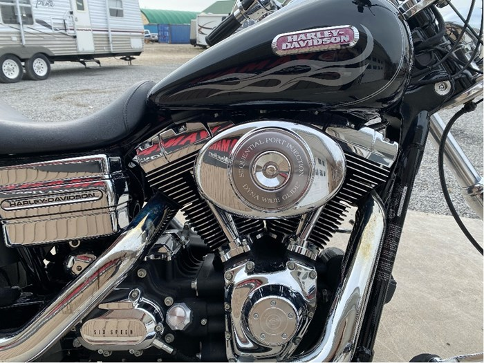 2006 Harley-Davidson Dyna Wide Glide Photo 10 of 12