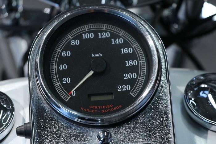 2000 Harley-Davidson SOFTAIL STANDARD (FXST) Photo 7 of 13