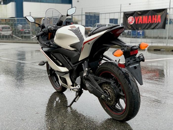 2019 Yamaha R3 ABS Demo Photo 5 of 5