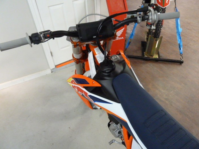 2020 KTM 450 SX-F Factory Edition Photo 6 of 8