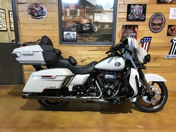 2020 Harley-Davidson FLHTKSE - CVO™ Limited Photo 1 sur 7