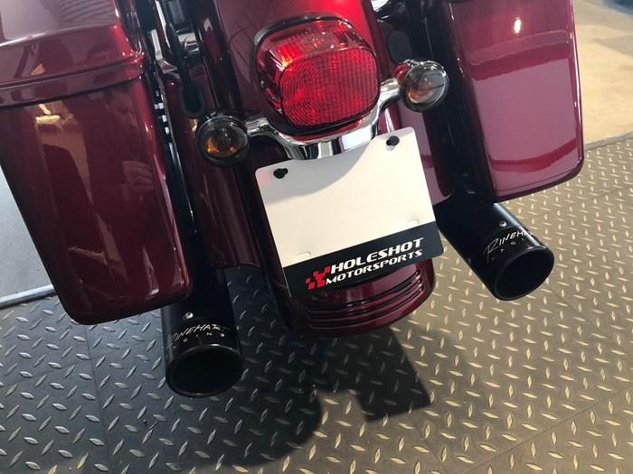 2017 Harley-Davidson FLHXS - Street Glide® Special Photo 4 of 7