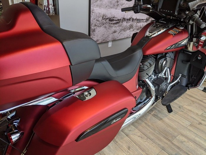 2020 Indian Motorcycle® Roadmaster® Dark Horse® Ruby Smoke Photo 5 of 13