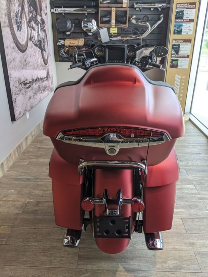 2020 Indian Motorcycle® Roadmaster® Dark Horse® Ruby Smoke Photo 6 of 13