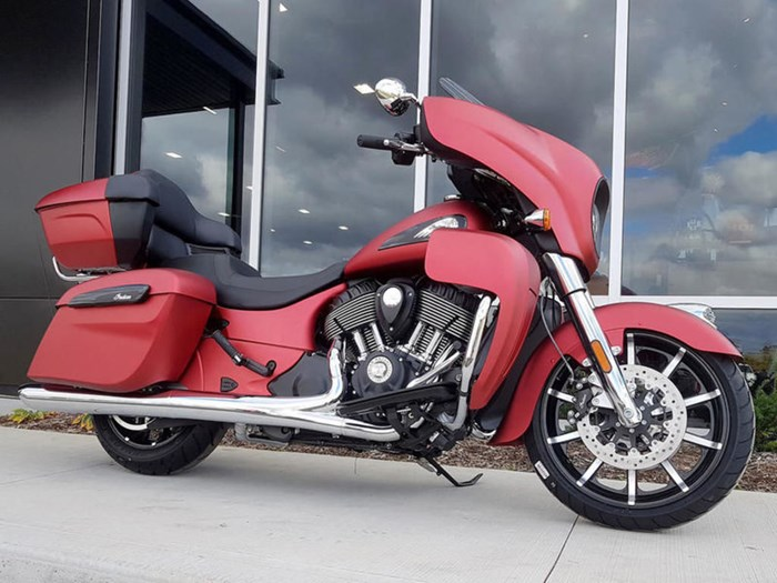 2020 Indian Motorcycle® Roadmaster® Dark Horse® Ruby Smoke Photo 1 of 13
