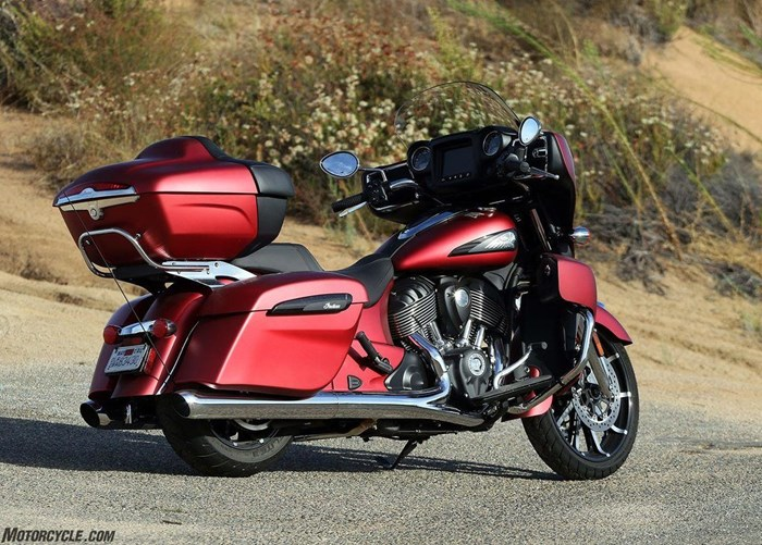 2020 Indian Motorcycle® Roadmaster® Dark Horse® Ruby Smoke Photo 13 of 13