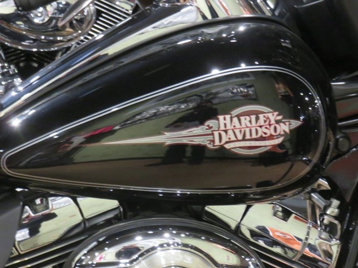 2013 Harley-Davidson FLHTC - Electra Glide® Classic Photo 5 of 14
