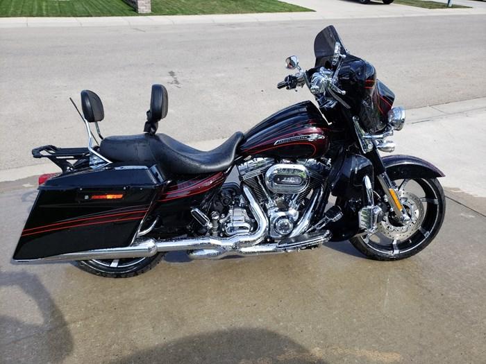 2011 Harley-Davidson Streetglide Photo 3 sur 3