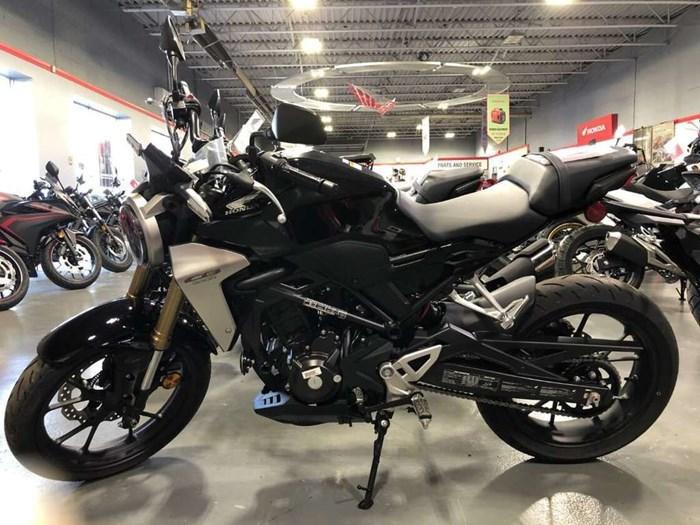 2020 Honda CB300R Photo 3 of 6