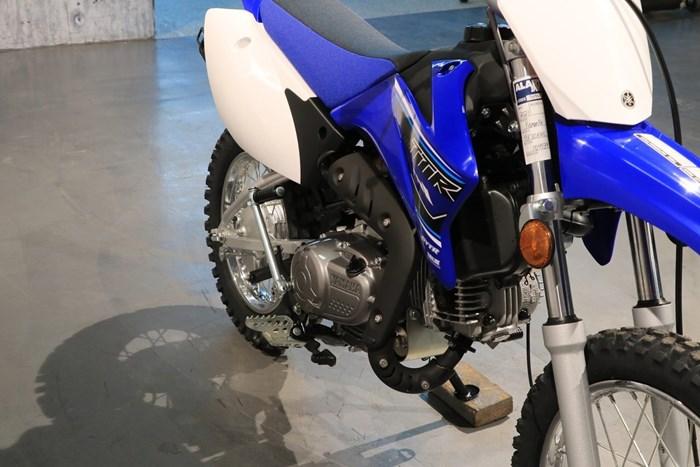 2021 Yamaha TT-R110E Photo 10 of 12