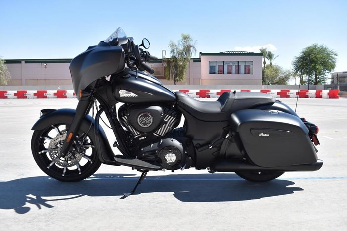 2021 Indian Motorcycle® Chieftain® Dark Horse® Thunder Black Smo Photo 2 of 11