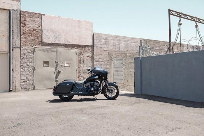 2021 Indian Motorcycle® Chieftain® Dark Horse® Thunder Black Smo Photo 7 of 11