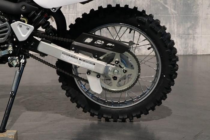 2021 Yamaha TT-R125LE Photo 8 of 12