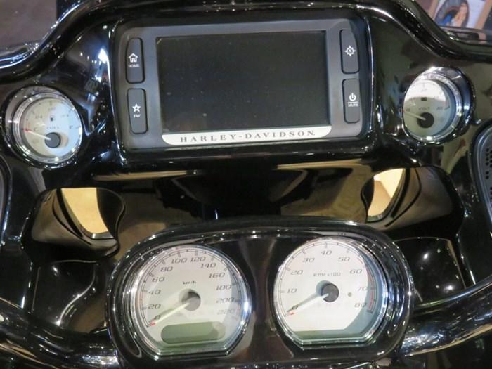 2015 Harley-Davidson FLTRXS - Road Glide® Special Photo 5 of 8